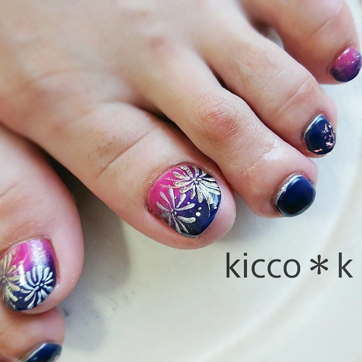 #footnails  #summer  #フットネイル #夏ネイル #花火ネイル #手書きアート  #nail #nails #nailist #nailsalon #instanails #nailswag #nailstagram #nailart #naildesign #ネイル #ネイルデザイン #大人ネイル #ネイルサロン #自宅サロン #kicco_k