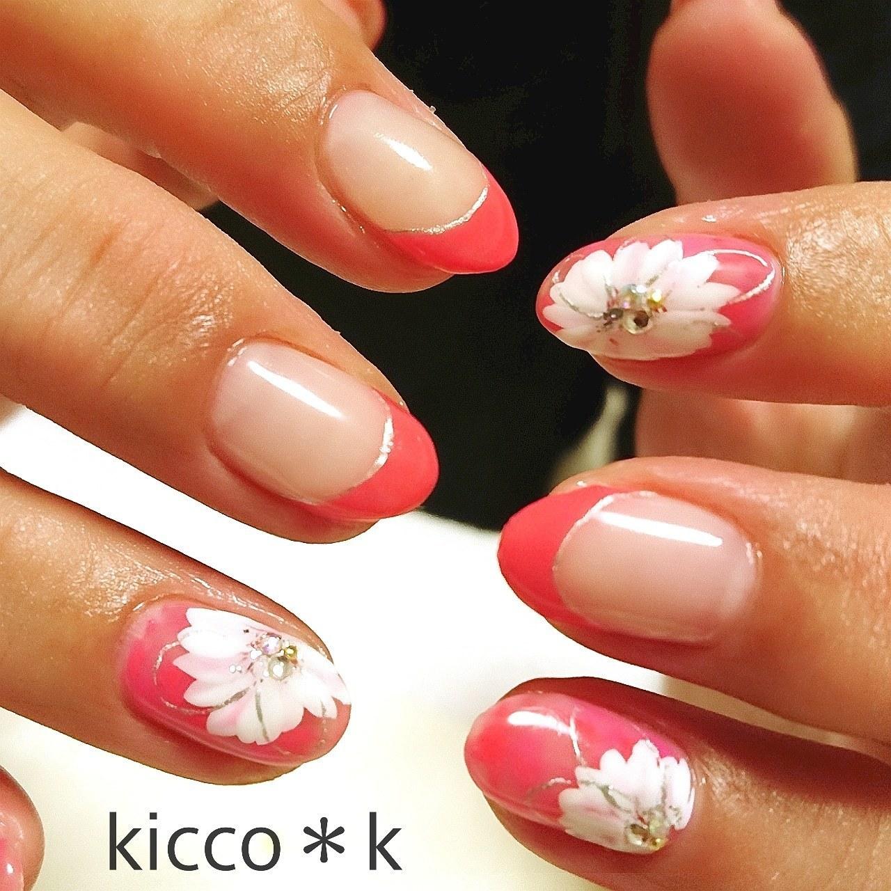 このお花が大好きなお客様✨ ベースをひそかに変えて 数回のリピートありがとうございます😊  #flowersnails  #handpainted #pink #frenchnails #vetro #nail #nails #nailist #nailsalon #instanails #nailswag #nailstagram #nailart #naildesign  #cutenails #フラワーネイル #フレンチネイル #ネイル #ネイルデザイン #大人ネイル #ネイルサロン #自宅サロン #kicco_k