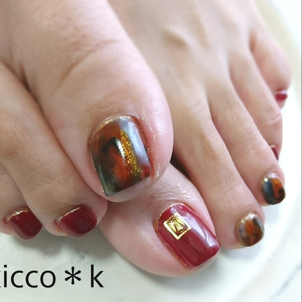 #autumn  #footnail  #レオパード  #ボルドー #vetro 67 と合わせて... カッコイイ😌!!   #nail #naildesign #nailstagram #gelnail #ネイル #ネイルデザイン #大人ネイル #自宅サロン #kicco_k