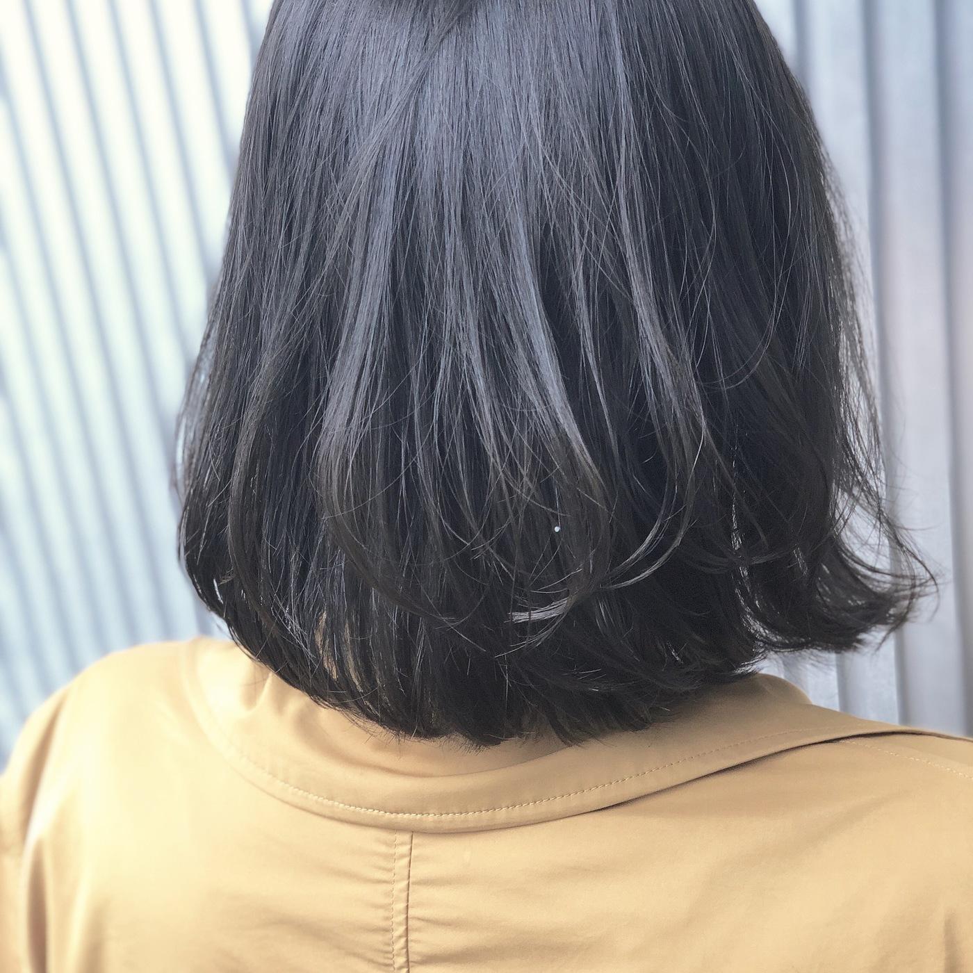 人気上昇中♡魅力たっぷりの【ブルーグレージュ】