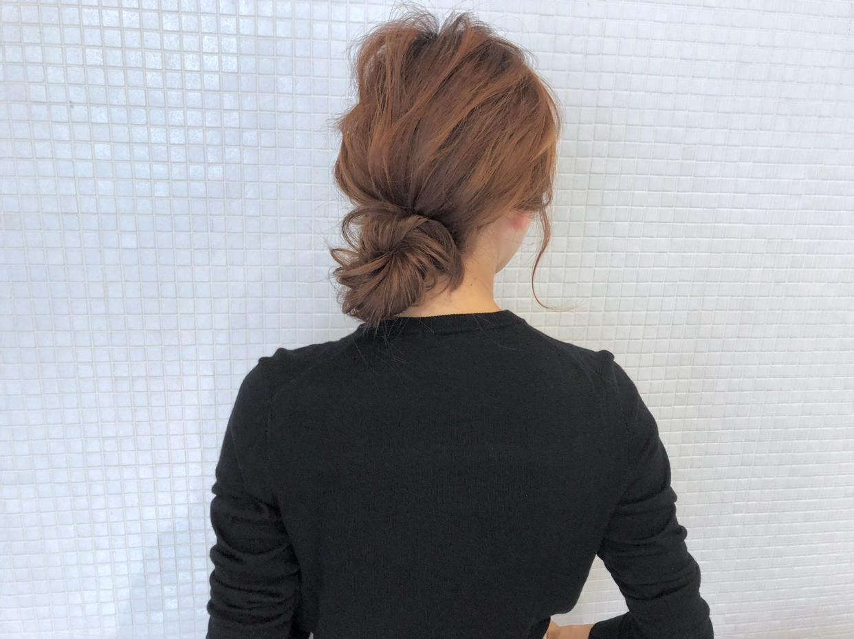 kawamura_takashi_cam ヘアアレンジ&ヘアセット ヘアゴム1本とピン2本で出来るお団子ヘア 河村タカシ #hairarrangecam #hairarrange #hairset #hair #ヘアアレンジ #へアセット #ヘア #関西 #大阪 #心斎橋 #hairdresser #美容師 #サロンモデル募集 #サロモ #おくれ毛 #簡単ヘアアレンジ