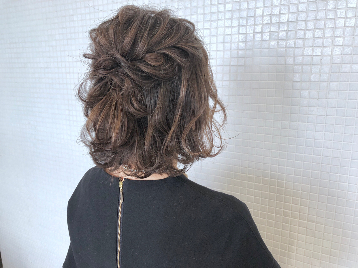 kawamura_takashi_cam ヘアアレンジ&ヘアセット 河村タカシ ボブのツイストハーフアップ #hairarrangecam #hairarrange #hairset #hair #ヘアアレンジ #へアセット #ヘア #関西 #大阪 #心斎橋 #hairdresser #美容師 #サロンモデル募集 #ボブアレンジ #ボブ #簡単ヘアアレンジ