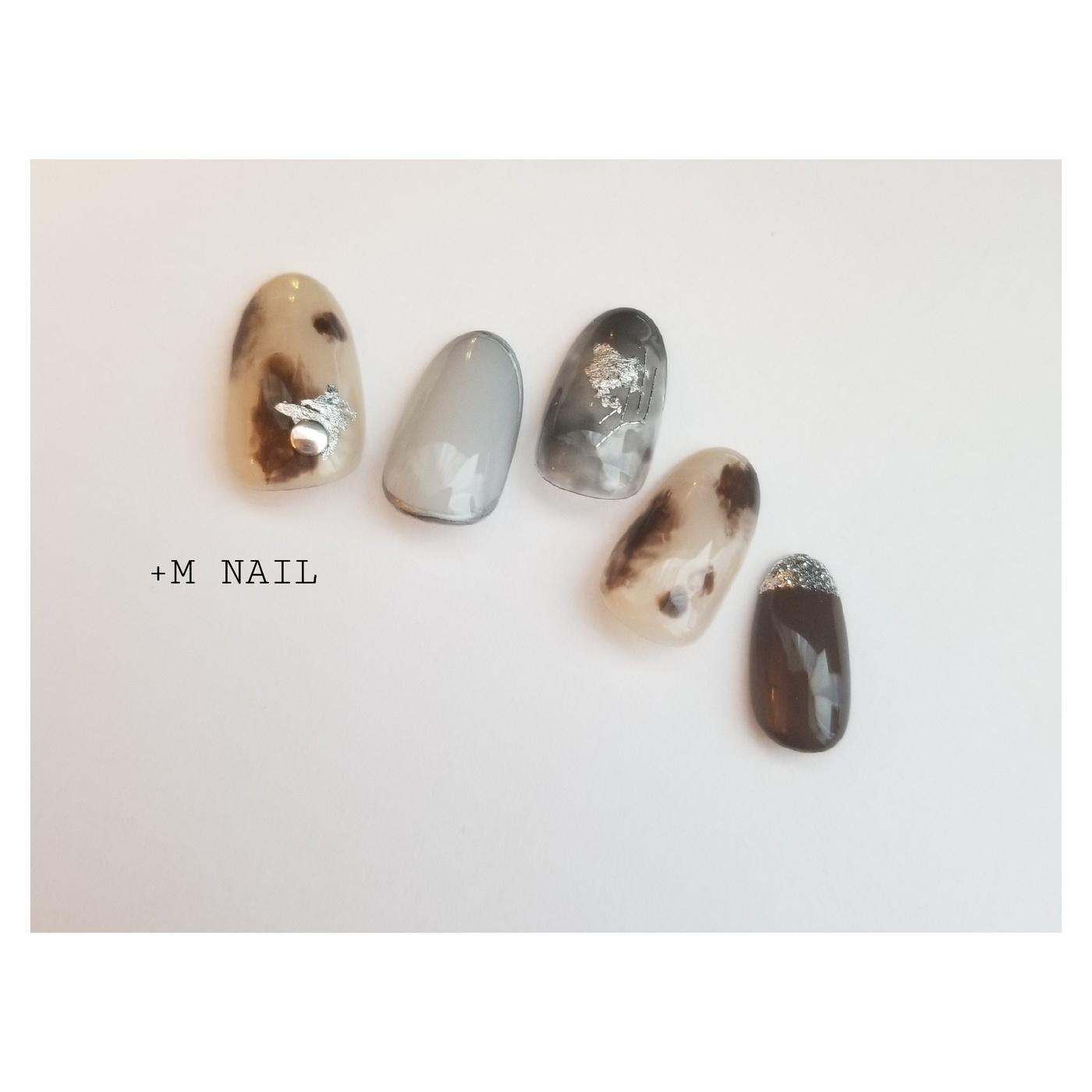 #nails #ジェル #ジェルネイル #ネイル #ネイルサロン #ネイルデザイン #ハンド #大人ネイル #大人可愛い #ニュアンスネイル #白べっこう #グレイッシュ #スモーキーネイル #おしゃれネイル #カジュアルネイル