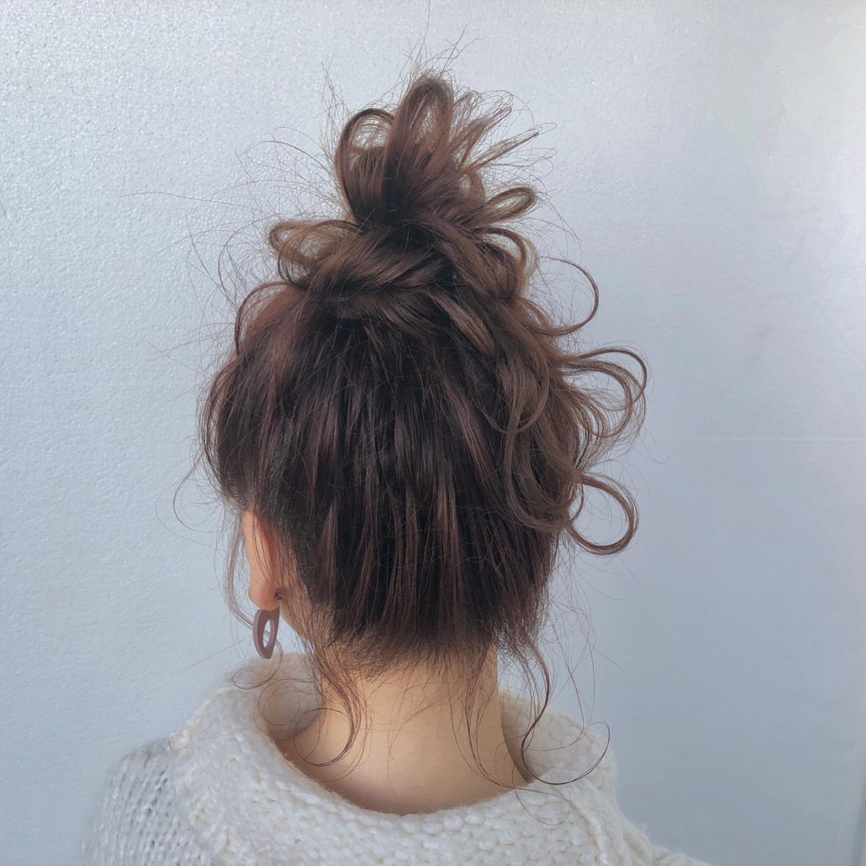 kawamura_takashi_cam ヘアアレンジ&ヘアセット 河村タカシ めちゃ簡単逆リンパお団子ヘア #hairarrangecam #hairarrange #hairset #hair #ヘアアレンジ #へアセット #ヘア #関西 #大阪 #心斎橋 #hairdresser #美容師 #サロンモデル募集 #サロモ #おくれ毛 #簡単ヘアアレンジ