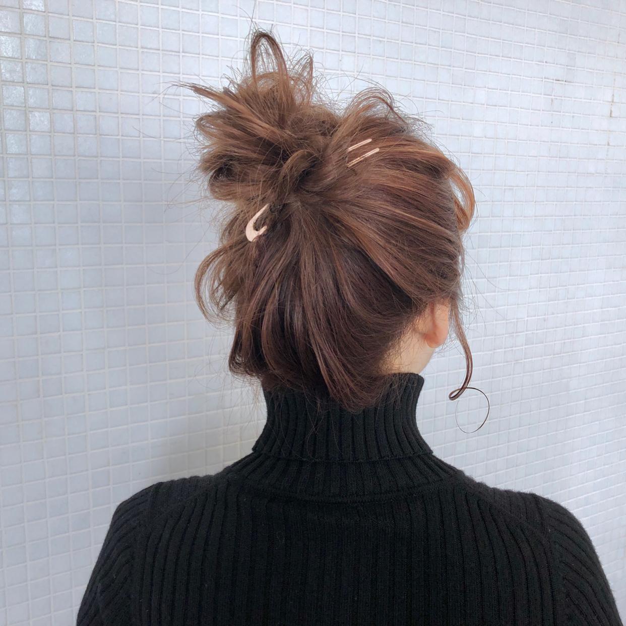 kawamura_takashi_cam 最少アイテムで作るお団子ヘア ヘアアレンジ&ヘアセット 河村タカシ #hairarrangecam #hairarrange #hairset #hair #ヘアアレンジ #へアセット #ヘア #関西 #大阪 #心斎橋 #hairdresser #美容師 #サロンモデル募集 #サロモ #おくれ毛 #簡単ヘアアレンジ