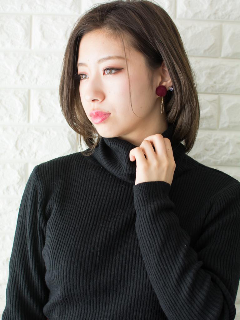 札幌 noine(ノイン) スタイリスト斉藤です。 ツヤのあるアッシュのカラーになります。 冬にオススメの毛先重めスタイル。 N.ナチュラルバーム&N.シーオイル仕上げ。 今回も「ピアス」は、僕が作りました。 「ピアス」サロンで販売しています。 #ナチュラル #カジュアル #ストリート #オフィス noine#札幌#大通#スタイリスト斉藤#ピアス# #ボブヘア#ボア#ファッション#撮影#オフィス#オフ#カワイイ#ツヤアッシュ#ベージュ#オレンジ#レッド#N.ナチュラルバーム#N.シーオイル ファー#ファッション 外ハネ#切りっぱなし アウター ワンピース #ボブ #アッシュ #かきあげ #卵型