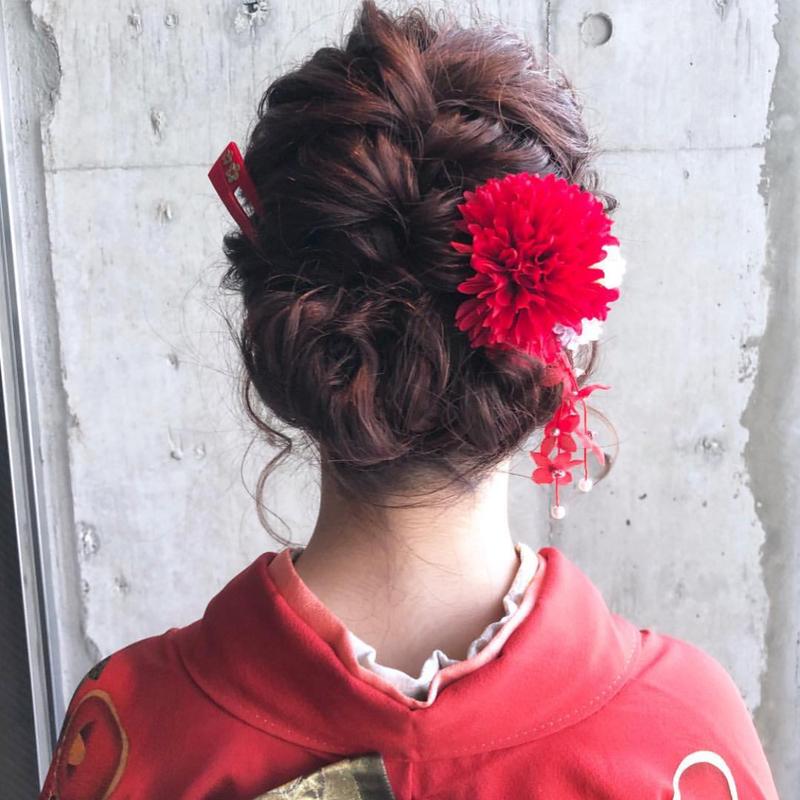 【2019卒必見】大学卒業式、一生に一度の特別な髪型をご紹介♡