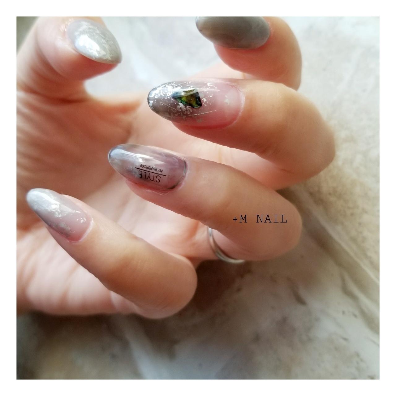 #nails #ジェル #ジェルネイル #ネイル #ネイルサロン #ネイルデザイン #ハンド #大人ネイル #大人可愛い #ニュアンスネイル#グレーネイル#シルバーネイル#ホイルアート#シェルネイル#メタリックパール#カジュアルネイル#おしゃれネイル
