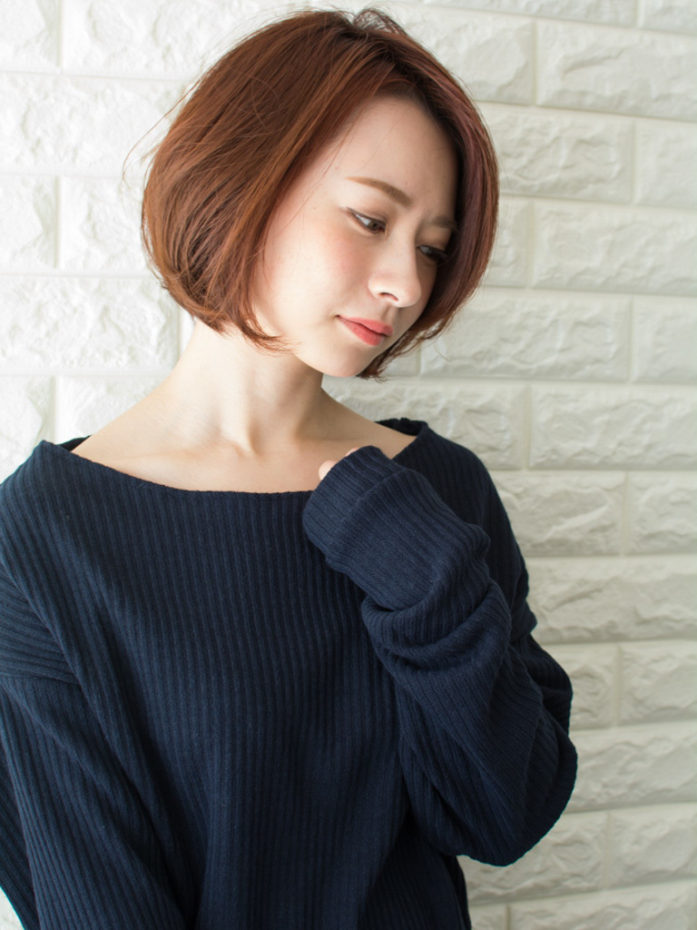 札幌 noine(ノイン) スタイリスト斉藤です。 ツヤと透け感のあるオレンジレッドカラーになります。 春に向けてオススメの毛先重めスタイル。 N.ナチュラルバーム&N.シーオイル仕上げ。 今回も「ピアス」「トップス」「スカート」は、僕が作りました。 「ピアス」サロンで販売しています。 #ナチュラル #カジュアル #ストリート #オフィス noine#札幌#大通#スタイリスト斉藤#ピアス# #ボブヘア#ボア#ファッション#撮影#オフィス#オフ#カワイイ#ツヤアッシュ#ベージュ#スカート#トップス#N.ナチュラルバーム#N.シーオイル ファー#ファッション 外ハネ#切りっぱなし #アウター #ワンピース #大人女子 #流し前髪 #ボブ #レッド #ピンク #丸顔