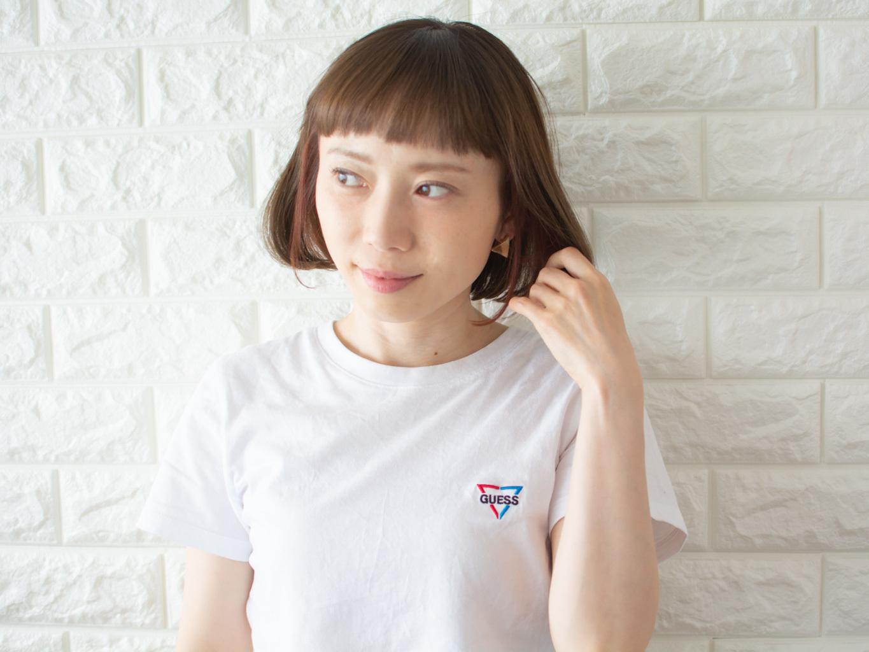 札幌 noine(ノイン) スタイリスト斉藤です。 ツヤと透け感のある「チタニュウムカラー」に, 「インナーカラー」を入れています。 春に向けてオススメの毛先重めスタイル。 N.ナチュラルバーム&N.シーオイル仕上げ。 今回も「ピアス」は、僕が作りました。 「ピアス」サロンで販売しています。 #ナチュラル #オフィス noine#札幌#大通#スタイリスト斉藤#ピアス# #ボブヘア#ボア#ファッション#撮影#オフィス#オフ#カワイイ#ツヤアッシュ#ベージュ#スカート#トップス#N.ナチュラルバーム#N.シーオイル ファー#ファッション 外ハネ#切りっぱなし #アウター #チタニュウム#チタニュウムカラー#スカート#大人女子 #アッシュ #インナーカラー #ボブ #オン眉 #丸顔