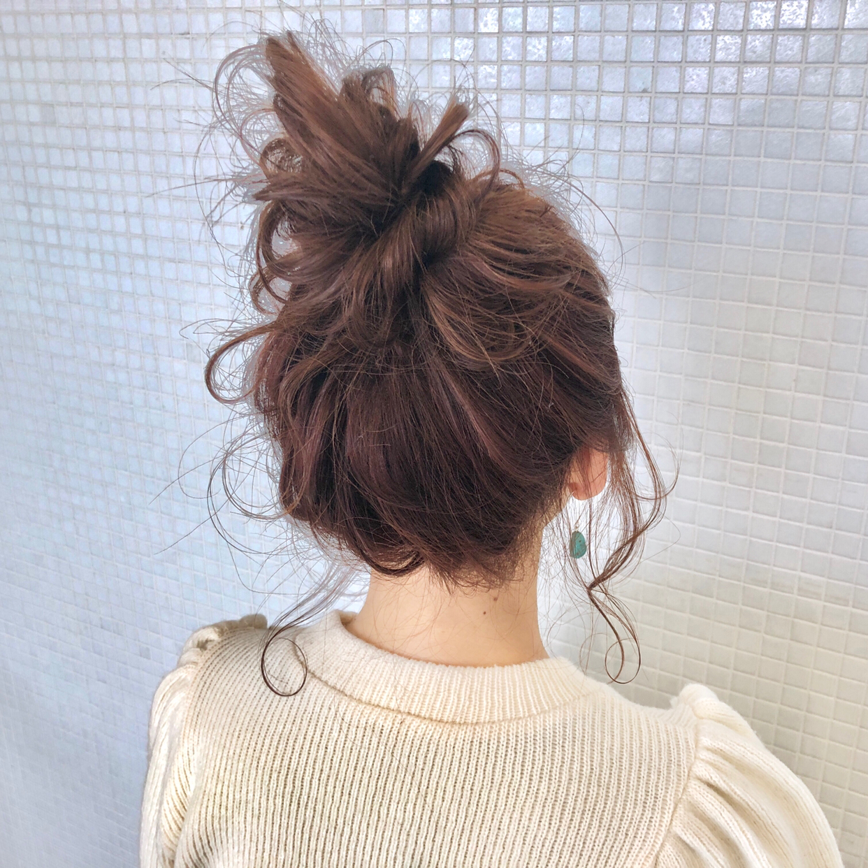 kawamura_takashi_cam  毛先を折り曲げて作るお団子ヘア ヘアアレンジ&ヘアセット  河村タカシ  #hairarrangecam  #hairarrange  #hairset  #hair  #ヘアアレンジ  #へアセット  #ヘア  #関西  #大阪  #心斎橋  #hairdresser  #美容師  #サロンモデル募集  #サロモ  #おくれ毛  #簡単ヘアアレンジ  #お団子ヘア