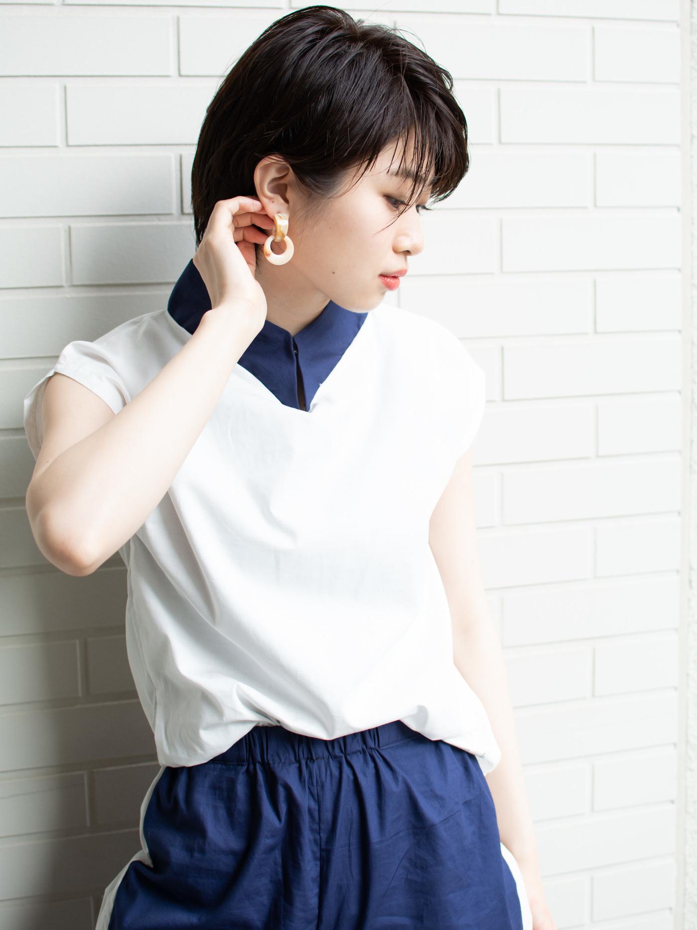 札幌 noine(ノイン) スタイリスト斉藤です。 ツヤと透け感のある「ブルーティールカラー」で、仕上げました。 夏に向けてオススメのショートボブスタイル。 N.ナチュラルバーム&N.シーオイル仕上げ。 今回も「ピアス」も、「セットアップの服」も僕が作りました。 「ピアス」サロンで販売しています。 #ナチュラル #オフィス noine#札幌#大通#スタイリスト斉藤#ピアス# #ボブヘア#洋服#ファッション#撮影#オフィス#パンツ#カワイイ#セットアップ#ベージュ#ボブ#トップス#N.ナチュラルバーム#N.シーオイル #外国人風#ファッション #外ハネ#切りっぱなし #ブルーティール#チタニュウムカラー#大人女子 #HUEカラー #ハンドメイド #ターバン #カジュアル #ストリート #ショートボブ #アッシュ #流し前髪 #丸顔 #ノースリーブ