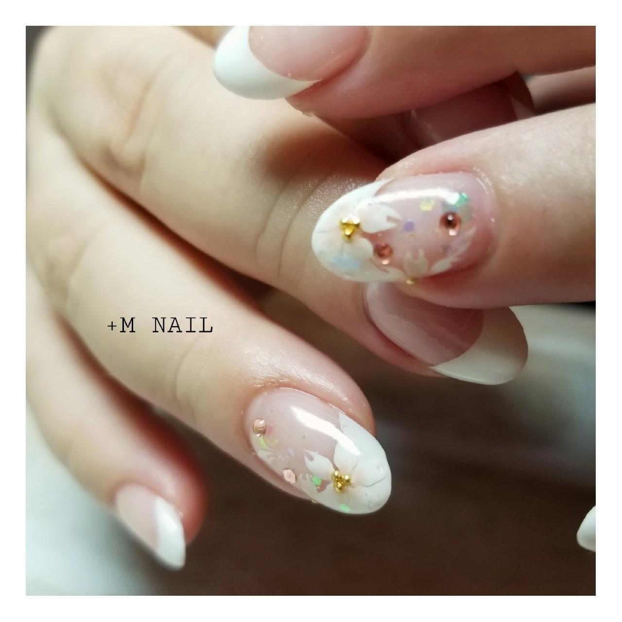 #nails #ジェル #ジェルネイル #ネイル #ネイルサロン #ネイルデザイン #ハンド #パーティー #上品ネイル #大人ネイル #大人可愛い #桜ネイル#フレンチネイル#フラワーネイル