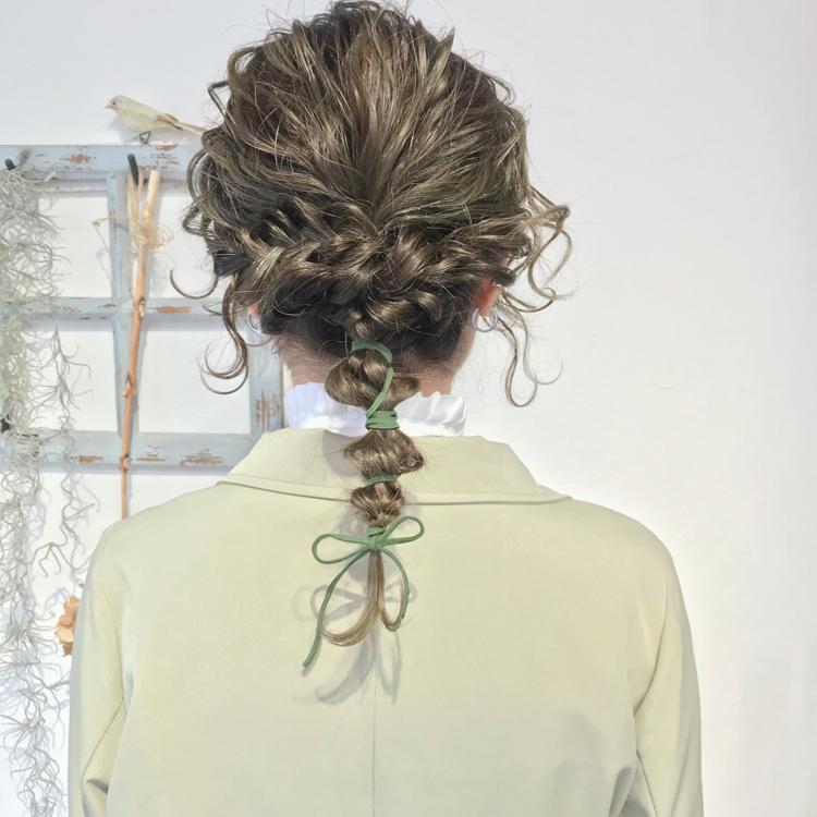 hair arrange.  #alicehairdesign#hair#hairstyle#haircolor#hairarrange#make#fashion#小倉美容室#外国人風カラー#ハイトーン#ブリーチ#インナーカラー#ハイライト#グラデーションカラー#ヘアスタイル#ヘアカラー#ヘアアレンジ#oggiotto#oggiottostyle#ayakocolor#編みおろし#美容師#美容学生#結婚式#大人アレンジ##alicearrange#ヘアセット#ヘアアレンジ#およばれヘア#ポニーテールアレンジ#紐アレンジ