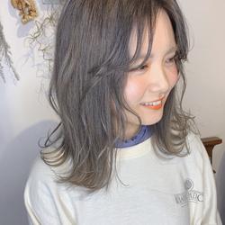 mint ash beige.  #alicehairdesign#hair#hairstyle#haircolor#hairarrange#make#fashion#小倉美容室#外国人風カラー#ハイトーン#ブリーチ#インナーカラー#ハイライト#グラデーションカラー#ヘアスタイル#ヘアカラー#ヘアアレンジ#oggiotto#oggiottostyle#ayakocolor#編みおろし#美容師#美容学生#結婚式#大人アレンジ##alicearrange#ヘアセット#韓国ヘア#ミン#ミントアッシュ#透け感#透明感