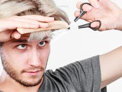 実はセルフで簡単にできる!メンズの正しい前髪の切り方