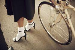 夏コーデのポイントは靴下×サンダルにあり!靴下×サンダルコーデ集