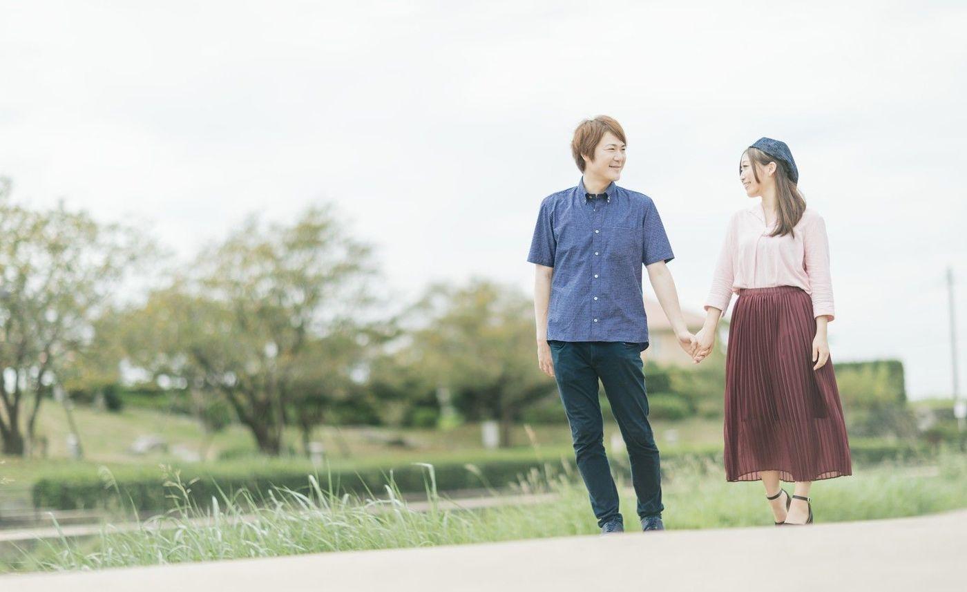 カップル必見】お散歩デートの服...