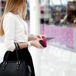 <大人女子注目>人気のケイトスペードの財布で目指せ、イイ女♡
