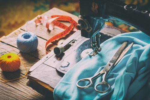【保存版】スタイルアップを叶えるスウェットタイトスカートコーデ♥の3枚目の画像