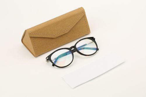 男女ともに嬉しい!プレゼントにぴったり「メガネケース」まとめ♪の1枚目の画像