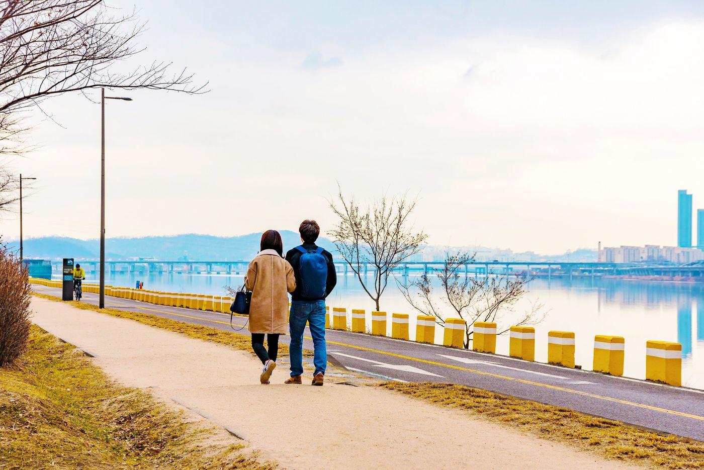 同じポーズはもう飽きた!韓国カップルに学ぶ可愛い写真の撮り方♡の1枚目の画像