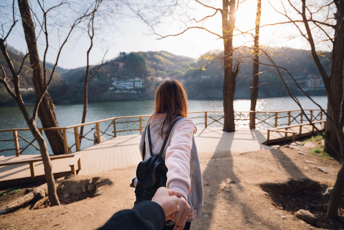 同じポーズはもう飽きた!韓国カップルに学ぶ可愛い写真の撮り方♡の5枚目の画像