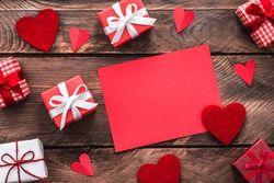 【バレンタイン】チョコ以外に何贈る?人気のプレゼントとは?♡