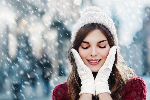 明日の化粧ノリはこれで決まる!コーセーの化粧水で雪のような肌へ