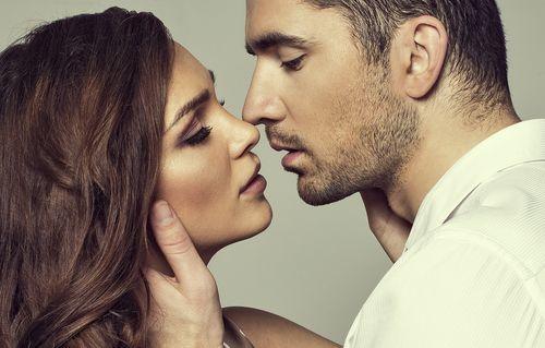 男性がキスしたくなる唇とタイミングって?魅力的な唇になる方法♡