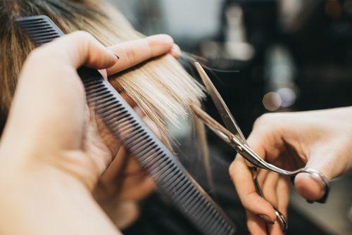 枝毛は髪からのダメージ警報!枝毛カッターよりも毎日のお手入れを!の6枚目の画像