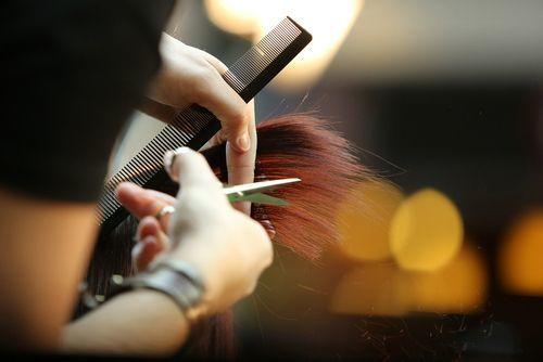 枝毛は髪からのダメージ警報!枝毛カッターよりも毎日のお手入れを!の9枚目の画像