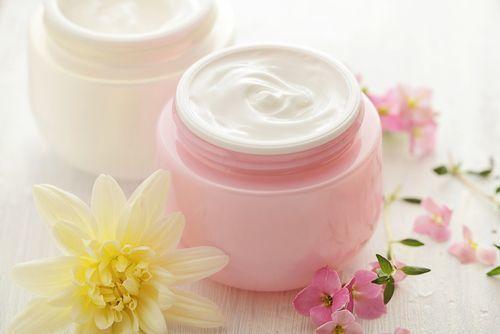 いい香り&持続性が欲しい♡ツルスベ肌に導くボディクリーム13選!