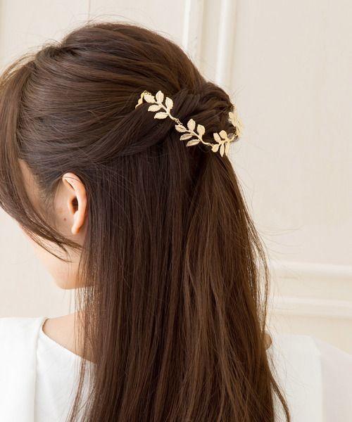 結婚式の\u201d髪飾り\u201dのマナーと選び方!お呼ばれは、相応しい髪型で