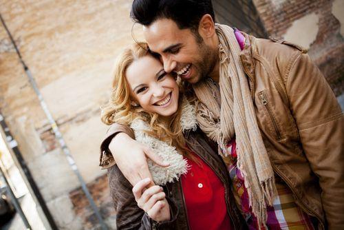 彼氏が好きすぎる女性の特徴や、不安解消法・愛される方法を伝授