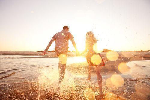 【2020年】夏デートは決まり♪おすすめスポットとメンズコーデ集の1枚目の画像