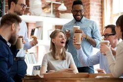 上司に好かれる女性の特徴5つ。良い関係を作って職場環境を快適に