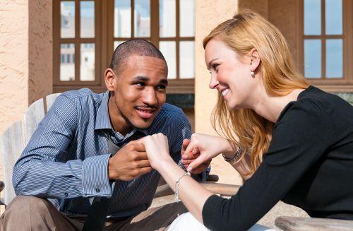 これって両想いのサインかも?見極め方や関係を進展させる方法もの3枚目の画像