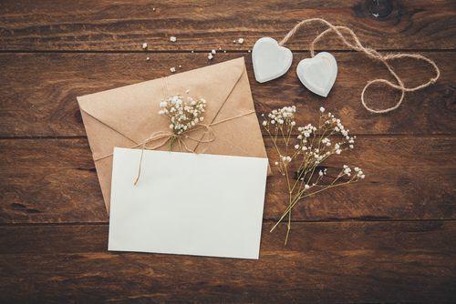 私たちの結婚式に来てください♡招待状の作成手順や方法とは?の1枚目の画像