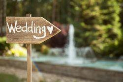 結婚式の受付を済ませる時間の目安は?ご祝儀の渡し方もあわせて紹介