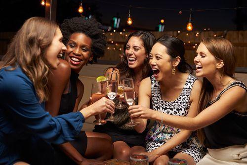 女子会の準備をしよう♡おすすめの場所やコーデを徹底解説の1枚目の画像