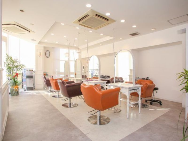 AUBE hair lala 小倉店