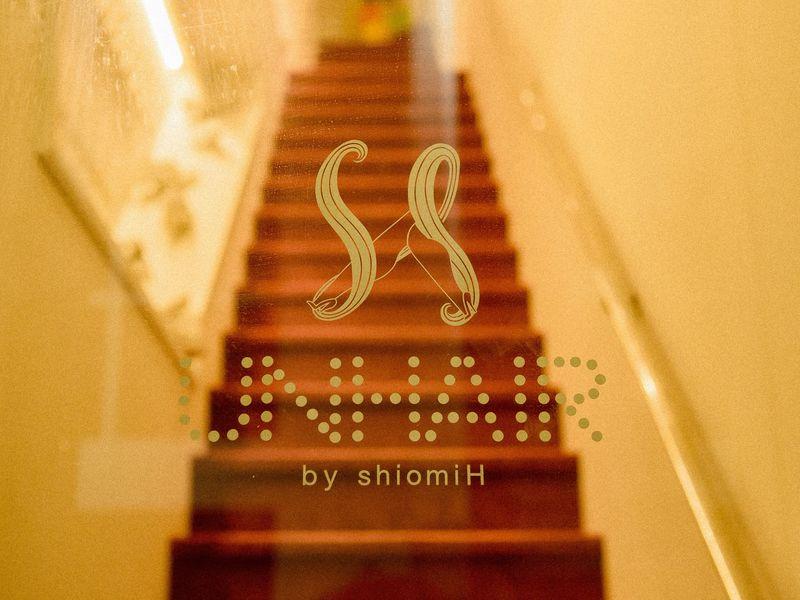ヘアーアンドファッションシオミエイチ [hair&fashion shiomi H]