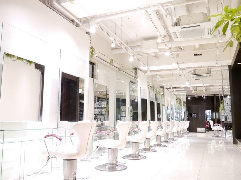 アース 川崎店<HAIR&MAKE EARTH>